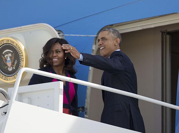 Обама подвергся насмешкам за отдание воинской чести с кружкой кофе в руке. 299227.jpeg
