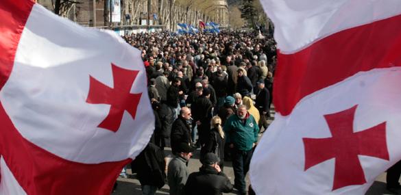 Сторонники Саакашвили в Тбилиси требовали отставки правительства. Митинг в Грузии
