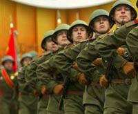 Медведев: в российской армии некому служить