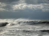 На Черноморское побережье надвигается шторм