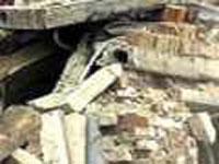 Жильцов рухнувшего в Астрахани дома поселили в школе