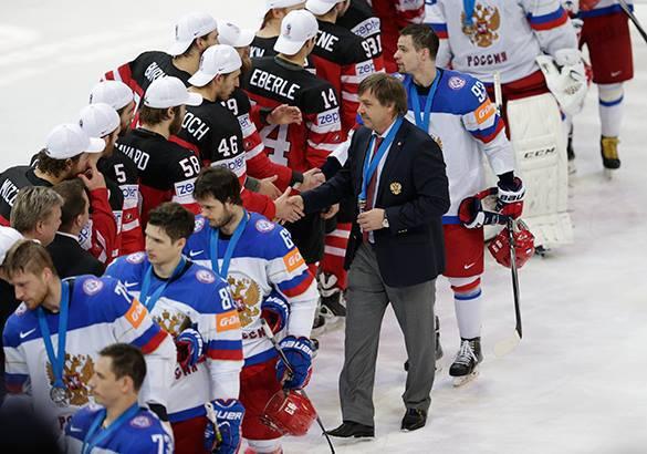 ИИХВ: Российкую сборную могут оштрафовать за уход с церемонии награждения. Российскую сборную оштрафуют за уход со льда