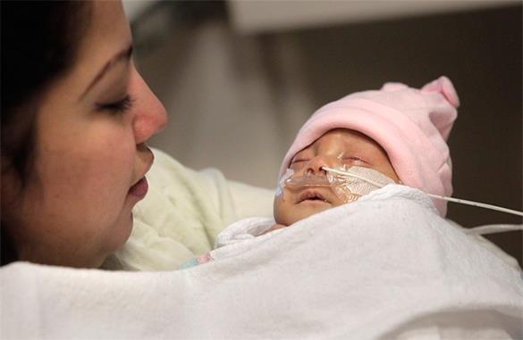 Сон на животе может спровоцировать синдром внезапной детской смертности. Сон на животе может спровоцировать синдром внезапной детской сме