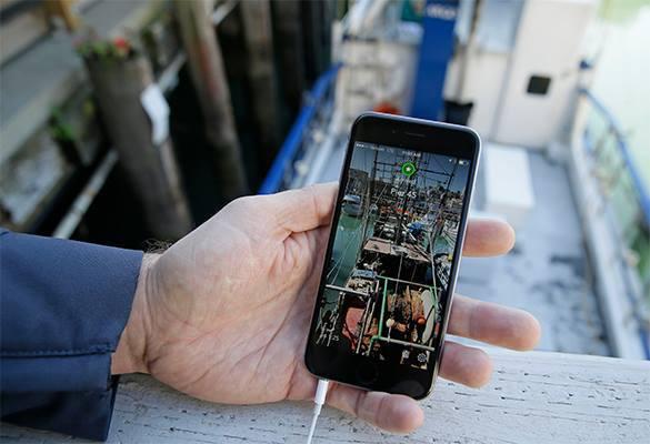 Пьяный могильщик выкопал гроб и взял у покойника iPhone. 319231.jpeg