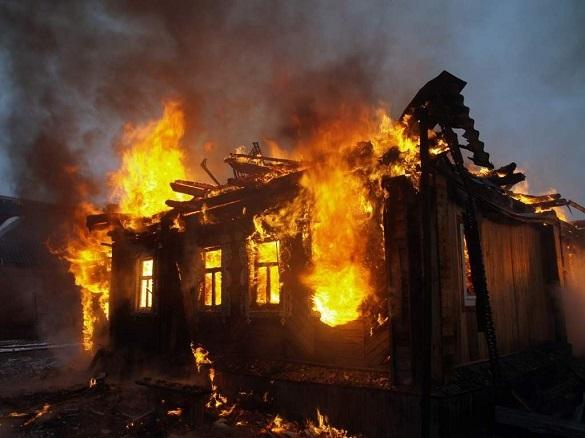 Дом Ельцина в Свердловской области после пожара разберут на дрова. 398232.jpeg