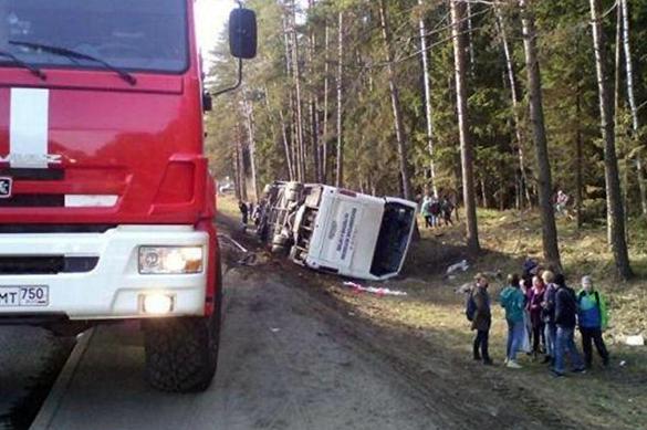 Под Тверью перевернулся автобус с 38 паломниками. Под Тверью перевернулся автобус с 38 паломниками