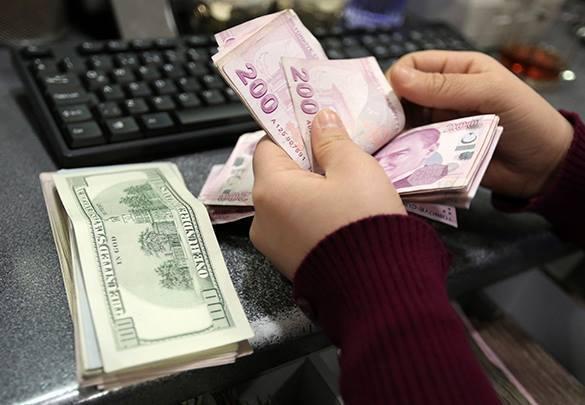 В Турции результаты выборов обрушили национальную валюту. турецкая лира