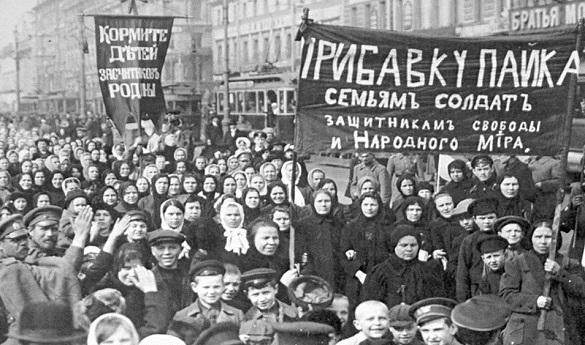 """Февраль-1917: первая """"цветная революция"""" Читайте больше на https://www.pravda.ru/society/fashion/couture/27-02-2017/1325881-revolution-0/#"""