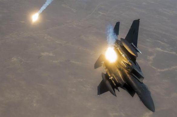Израиль ударил поГазе вответ на шарики сгорючкой