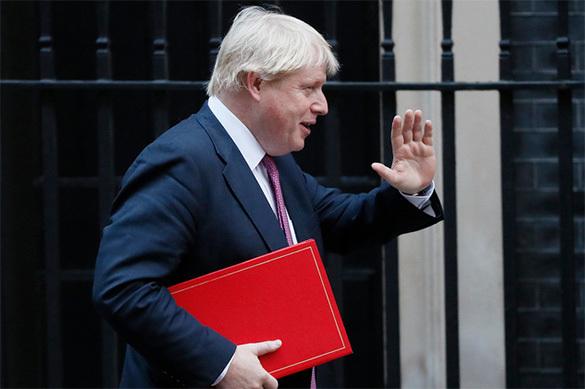 Министр иностранных дел Великобритании отложил первый за пять ле