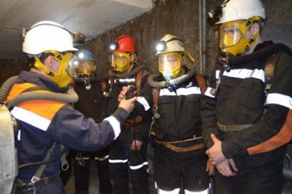 """О том, что мешает поисковым работам на руднике """"Мир"""", рассказал командир спасателей. 373235.jpeg"""
