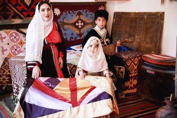 """Фотоконкурс """"Мама и дети в национальных костюмах"""" стартовал в России. 405238.jpeg"""
