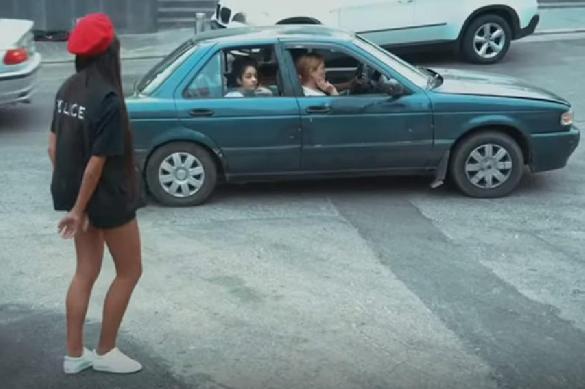 Мэр приказал девушкам-полицейским надеть короткие шорты. 389240.jpeg