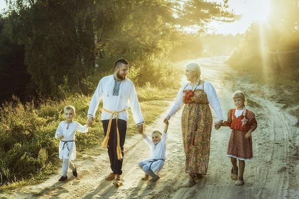 """Фотоконкурс """"Мама и дети в национальных костюмах"""" стартовал в России. 405240.jpeg"""