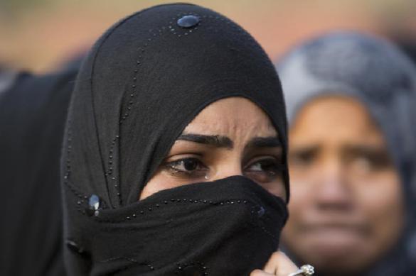 В Иране женщину, снявшую хиджаб, посадили на два года. В Иране женщину, снявшую хиджаб, посадили на два года