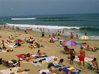 Черноморским курортам угрожают смерчи и грозы с градом
