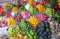 Большинство жителей России не соблюдают пост. фрукты