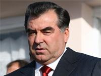 Президент Таджикистана начал борьбу с чинопочитанием