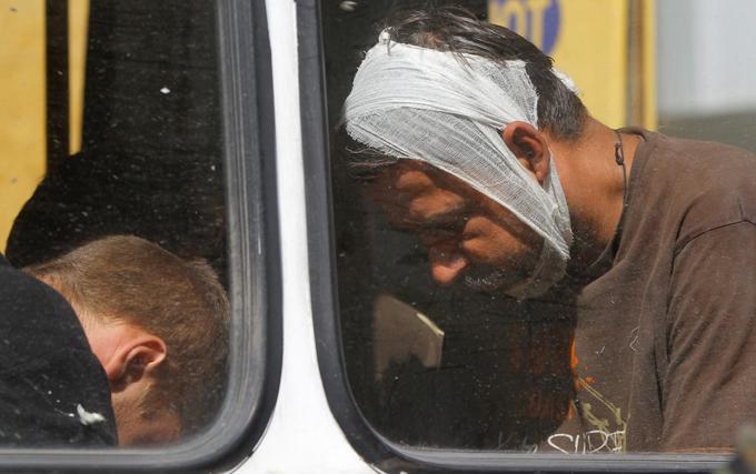Пленных вывезли из СИЗО в Луганске для обмена на ополченцев. Пленных вывезли из СИЗО в Луганске для обмена на ополченцев