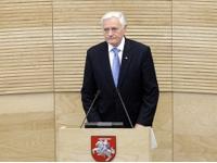 Президент Литвы призвал Москву наладить взаимоотношения