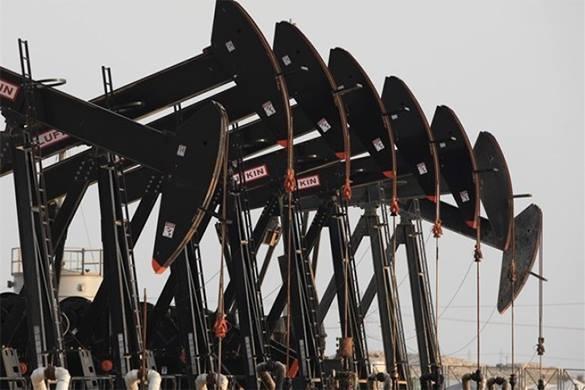 нефтяные вышки в ряд