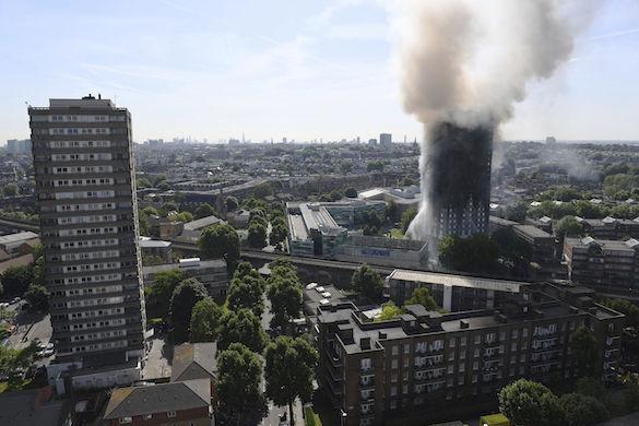 Около 20 выживших в лондонской высотке пытались уйти вслед за погибшими. Около 20 выживших в лондонской высотке пытались уйти вслед за по