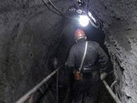 Погребенного под завалами шахтера спасли через два дня