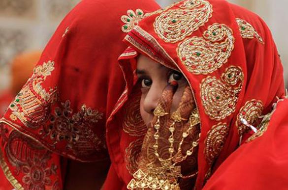 В Индии одновременно поженились 112 пар. В Индии массово поженили 112 пар