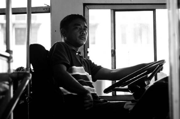 Купившего права водителя автобуса наказали копеечным штрафом. 390267.jpeg