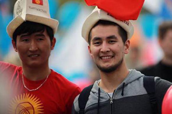 Живущая за счет мигрантов Киргизия начала борьбу с русским языком. 397267.jpeg