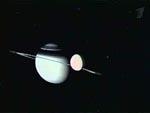 Загадки космоса: на спутнике Сатурна обнаружена странная стена (