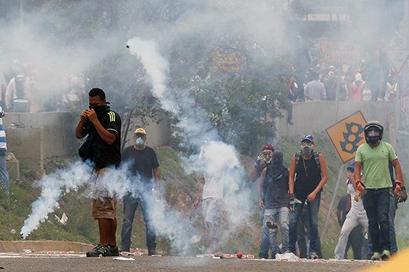 Венесуэлу охватили массовые беспорядки