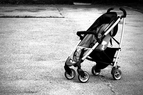 В Ижевске грузовик раздавил двухлетнего малыша в коляске