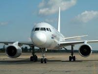 В Сочи аварийно приземлился самолет с отказавшим двигателем