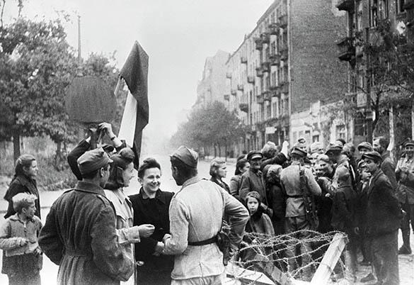 МинобороныРФ опубликовало документы опомощи СССР Польше вгоды войны