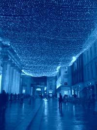 Голубой свет спасает самоубийц