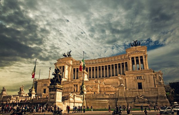 Рим и Крым замышляют налог для туристов. Рим и Крым замышляют налог для туристов.