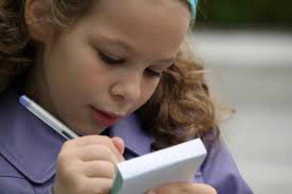 СМИ: школьников заставили готовить письма отцам