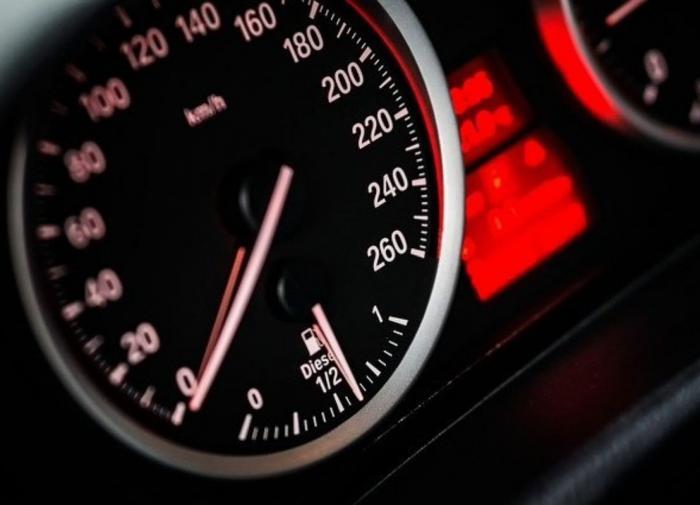 При пожаре на складе в Воронеже погиб человек