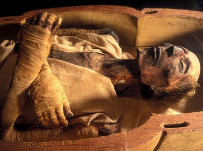 Уволен глава Минкульта Киргизии, с подачи экстрасенсов похоронивший мумию. Уволен глава Минкульта Киргизии, с подачи экстрасенсов похоронив