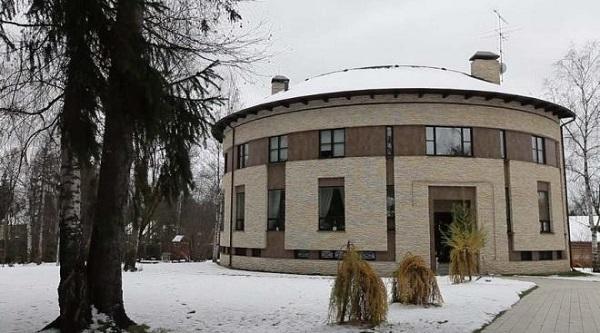 Квартира или дом: где живут российские знаменитости. 404287.jpeg