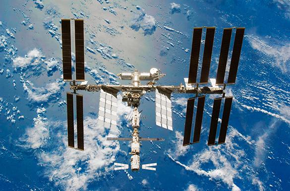 ЦУП готовится спасать МКС от столкновения с комическим мусором. мкс, космическая станция