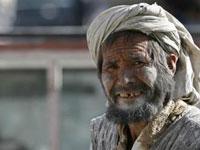 Почти половина афганцев живет за чертой бедности
