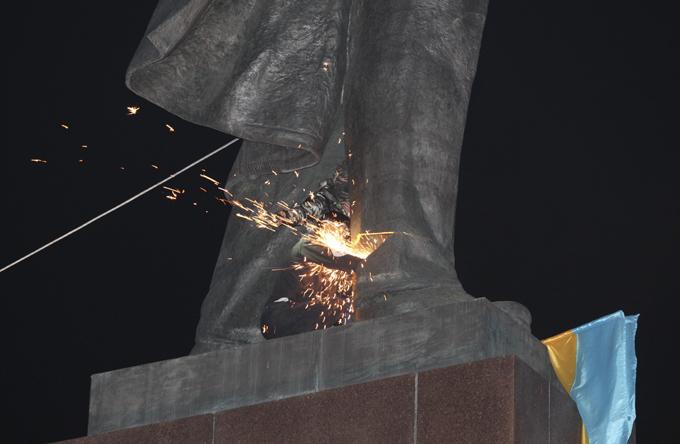 """На одесских коммунистов """"повесили"""" теракты. памятник ленин"""