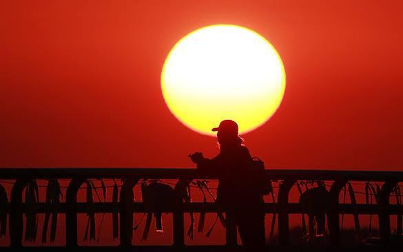 Испанке запретили продавать Солнце на аукционе eBay. 321289.jpeg