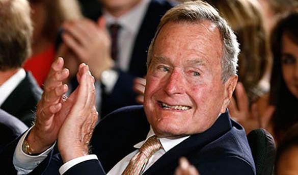 В сексуальных домогательствах снова обвинили Буша-старшего. 379289.jpeg
