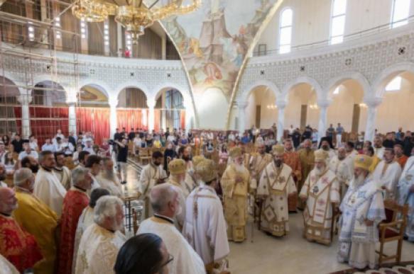Албанская православная церковь не признала
