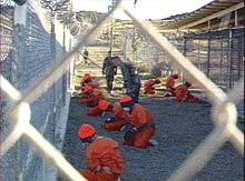 Террористы на базе Гуантанамо сводят счеты с жизнью. Без адвокат