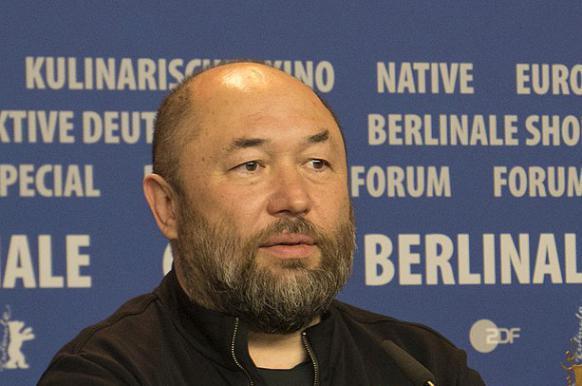Бекмамбетов выпустит фильм о трагедии в керченском колледже.