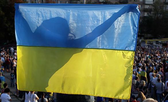 В Харькове не будет 1 мая. Праздничное шествие запретили. украинский флаг